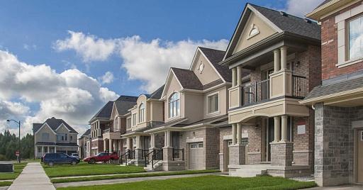 Цены на квартиры и дома в Торонто взлетели на 20 процентов
