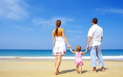Люди, проживающие рядом с морским побережьем, являются более счастливыми