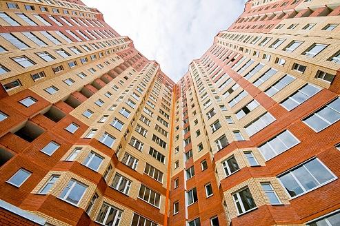 Ввод жилья в России продолжает сокращаться